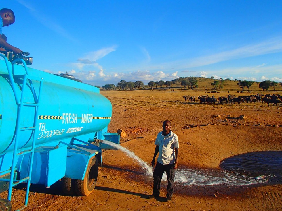 This Man Drives A Truck For 4 Hours A Day To Supply Water To The Wild Animals In Kenya. Not All Superheroes Were Capes