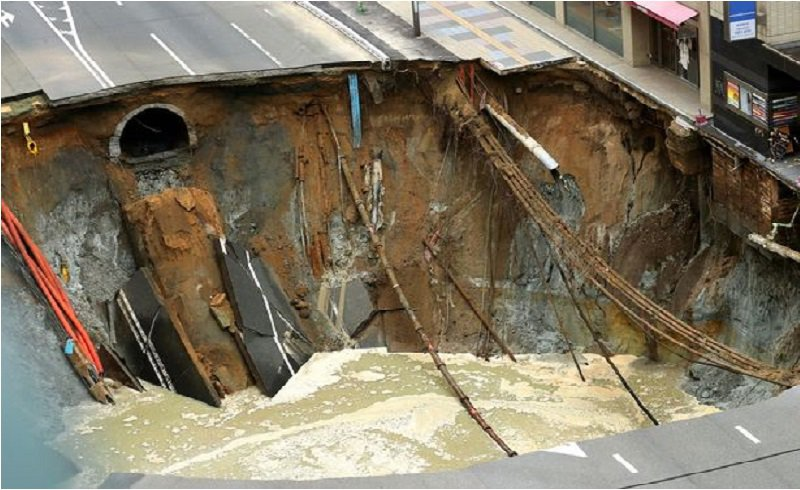 Japanese Tell The World Why They Are The Best. When They Repair A GIANT Hole In Just 7 Day