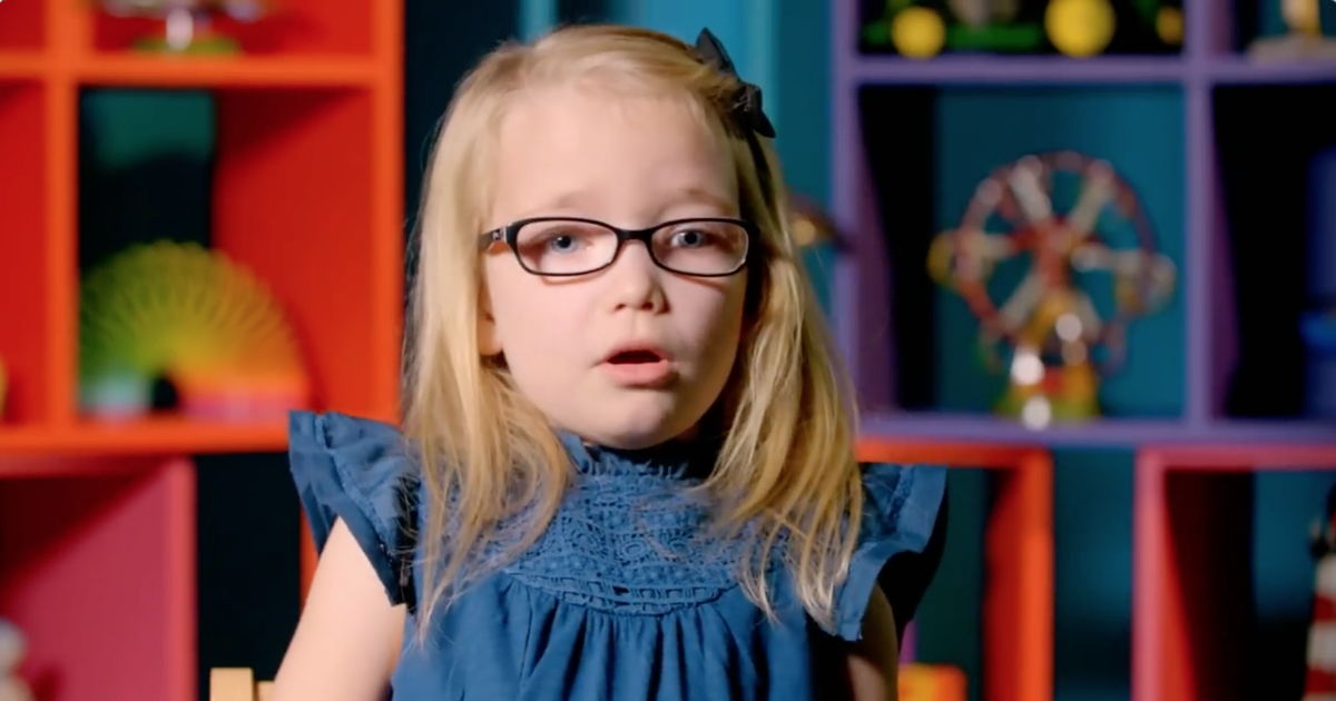 Meet This 5 Year Old Feminist 'Eva' Who Is Winning Hearts All Over The World!
