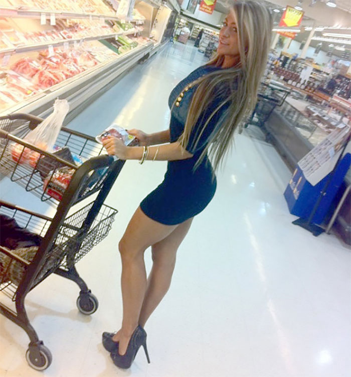 Walmart Security Cameras Captured Some Funny Incidents!