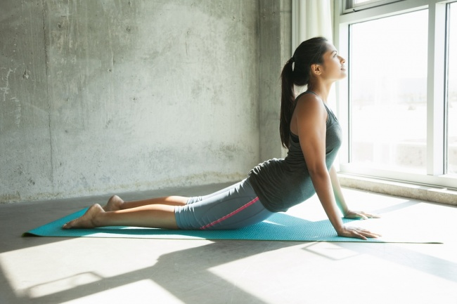 Don't Have Time For The Gym? These 4 Exercises Will Keep You In Shape