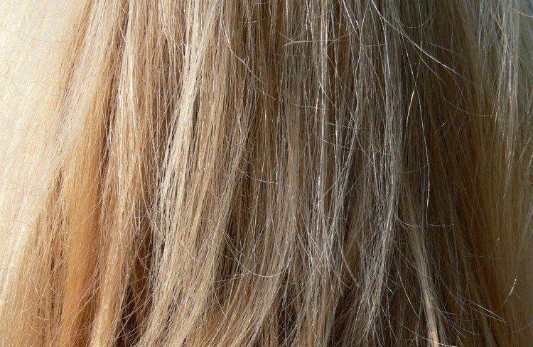 9 Tricks That Make Your Hair Grow Faster And Stronger!