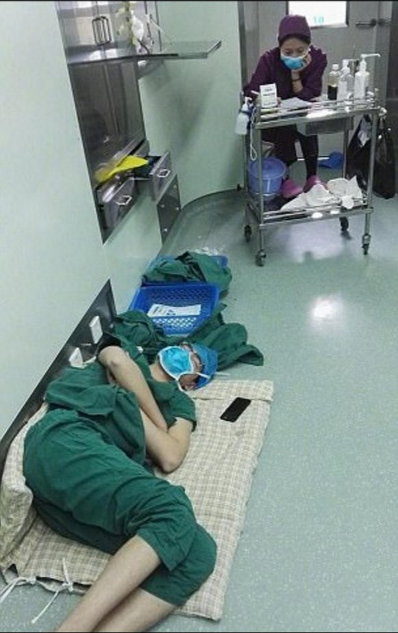 We'll Tell You Why These Pictures Of A Surgeon Sleeping On The Hospital Ground Got Viral!