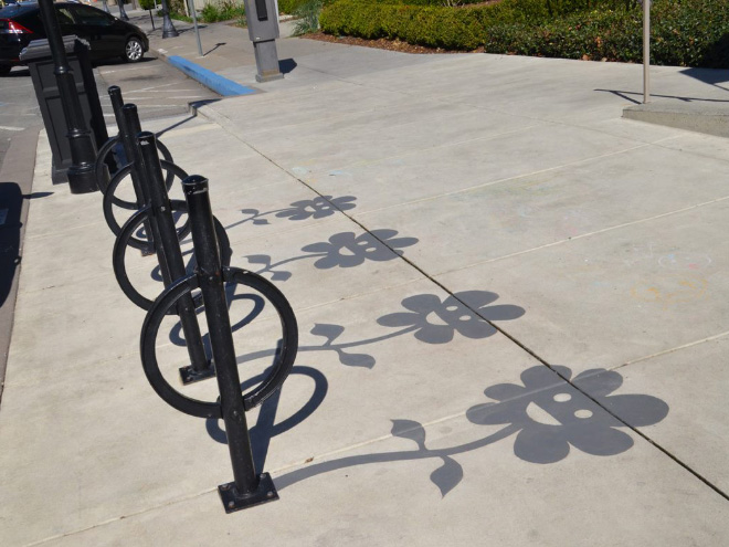 Street Artist Adds Fake Shadows To Confuse People